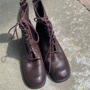 Vintage 90s lace up Brown Leather Boots 8.5 W